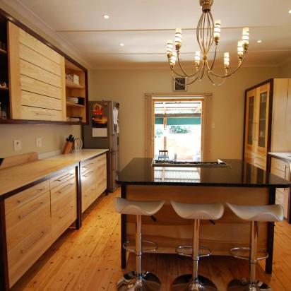 Mahogany-Ash-freestaning-kitchen