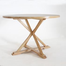 Round_xleg_table_side