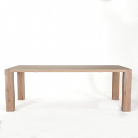 Weathered_oak_table_front