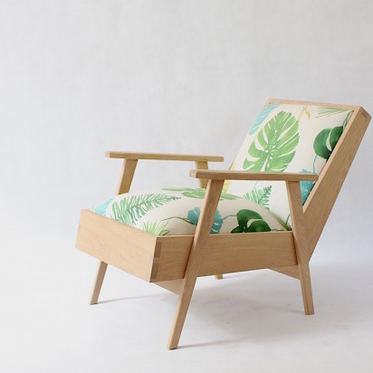 RELAX2_chair_floral_side
